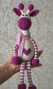 hearty-giraffe-amigurumi-pattern-free